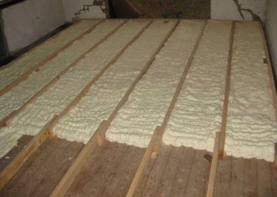 Floor insulation spray foam
